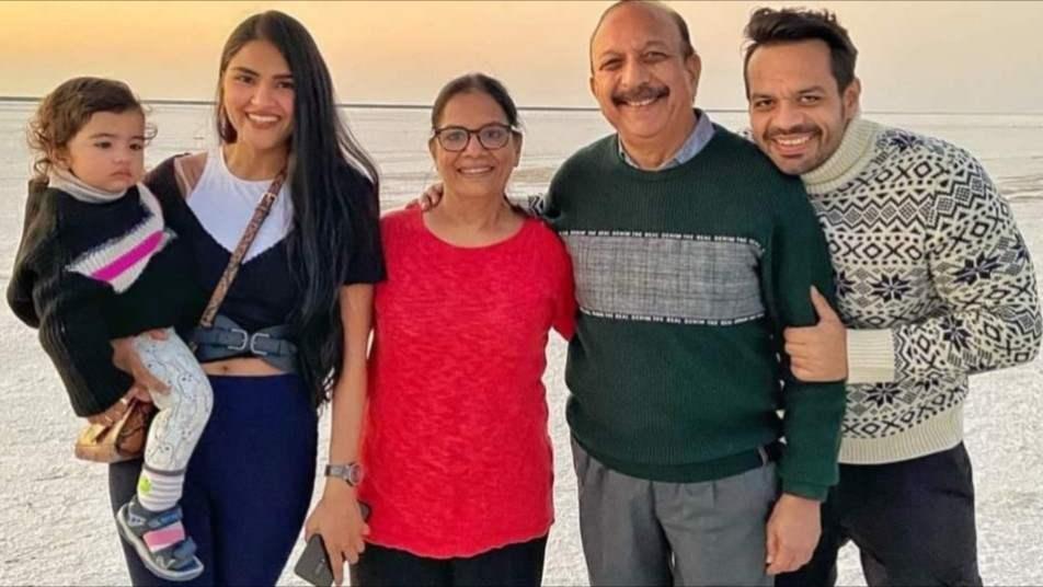 Flying beast family photo | Gaurav taneja family photo